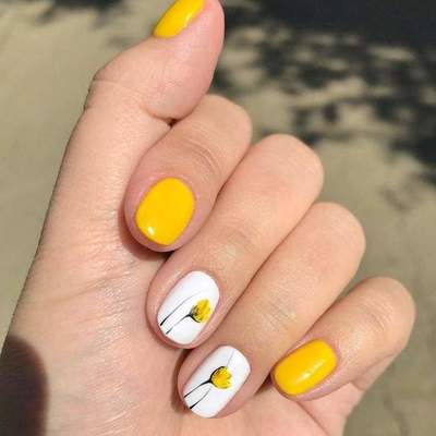 Beautiful Spring Nail Design: photo