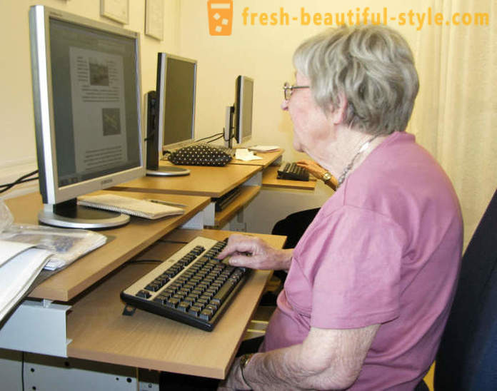 106-year-old Dagny Carlsson from Sweden - the overage female blogger