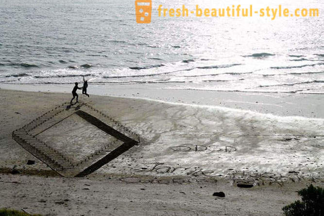 3D-drawings on the sand