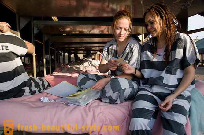 Weekdays women prisoners in a US prison