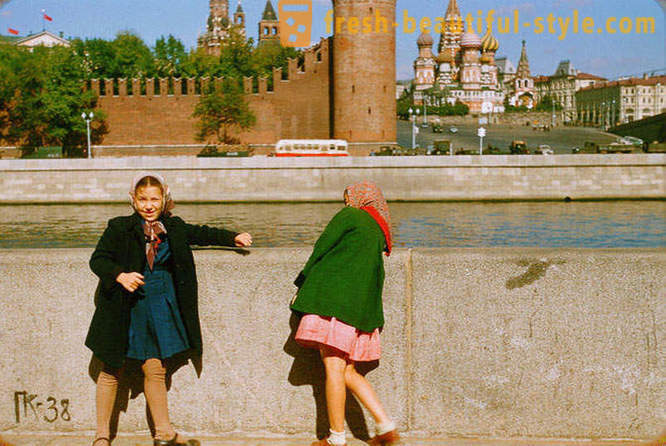 Moscow, 1956, in the photographs of Jacques Dyupake