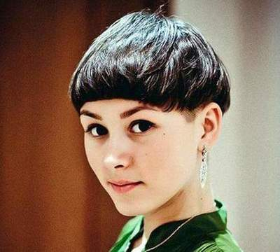Haircut for short hair with short bangs. Popular women's haircuts